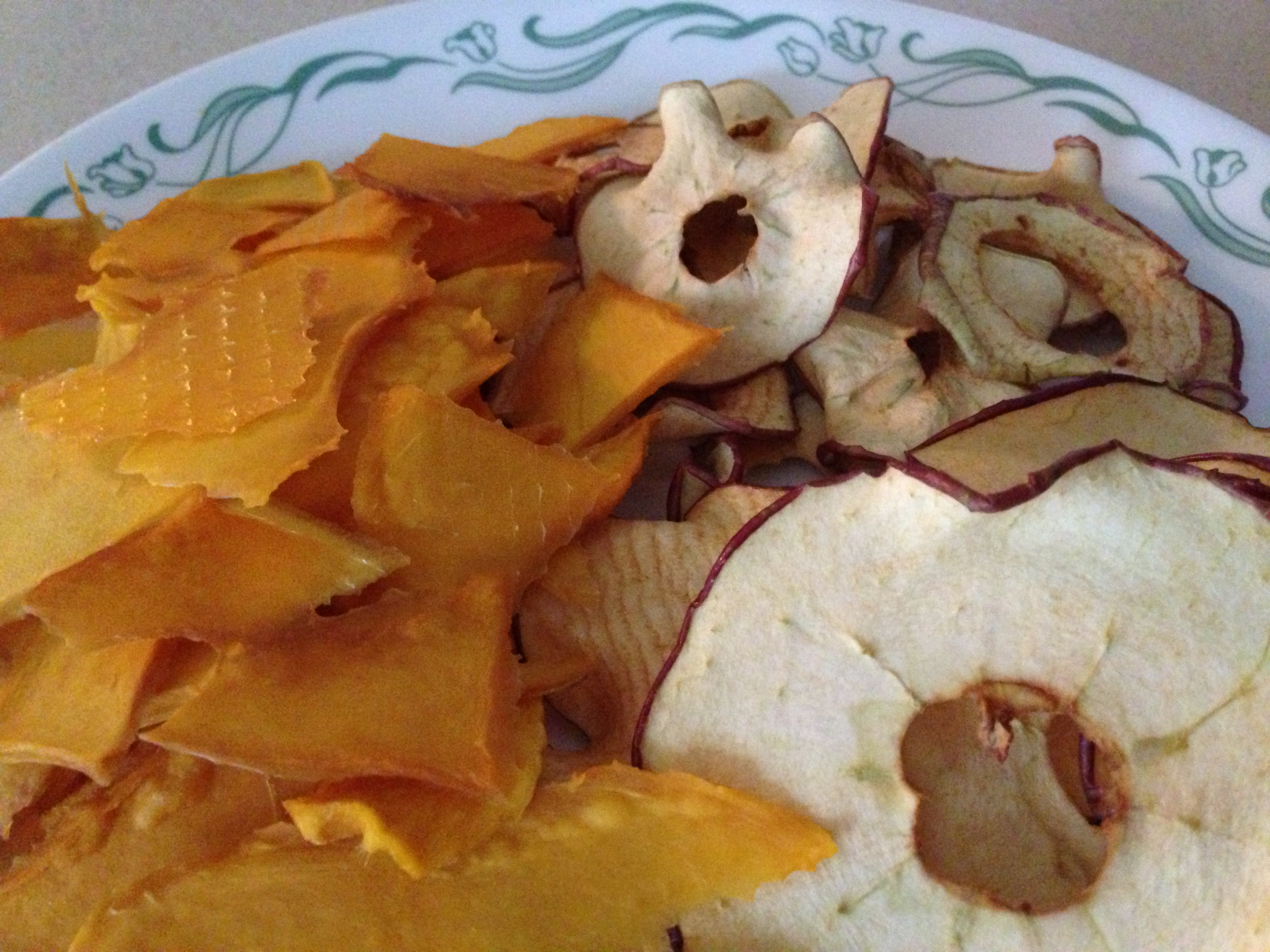 Dehydrating Apples & Mangos
